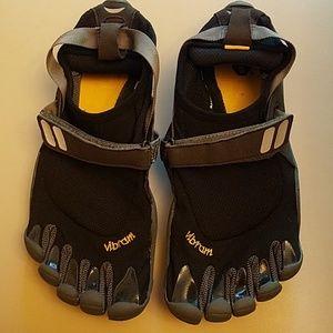 Vibram Shoes - Vibram five finger sandals size 42 (9)